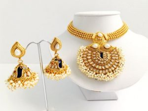 Large Peacock Detailed Pearl Embellished Attigai & Matching Large Jhumkas